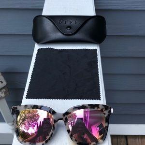 bbb31d4fd6 Diff Eyewear Accessories - Diff Eyewear BELLA pink mirror polarized lens